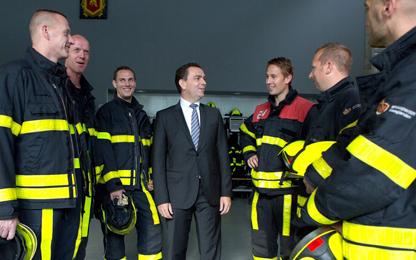 Michel Bezuijen met brandweer